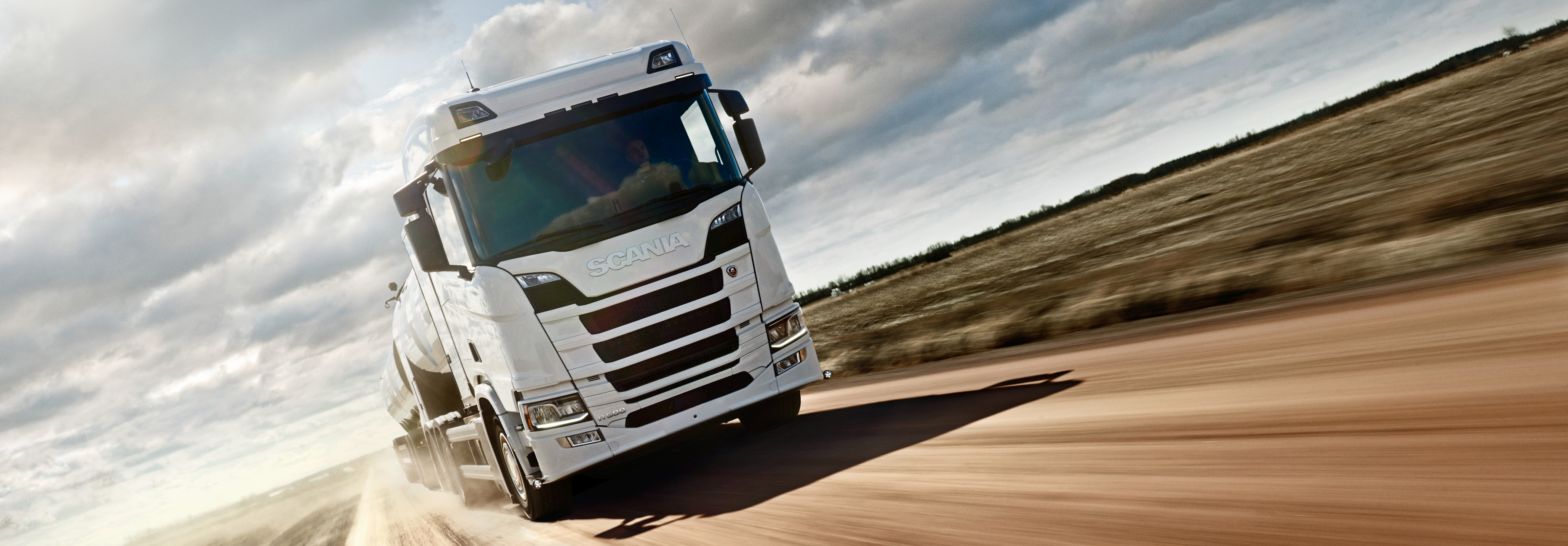 Scania R 500 6x2 rear-steer, milk collection