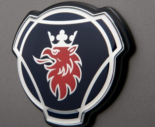 Scania G-series, front grill with Scania logotype and symbol